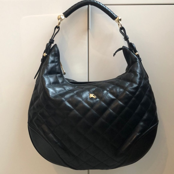 d755d069b3a0 Burberry Handbags - Burberry Large Hoxton Hobo - Black Quilted Leather